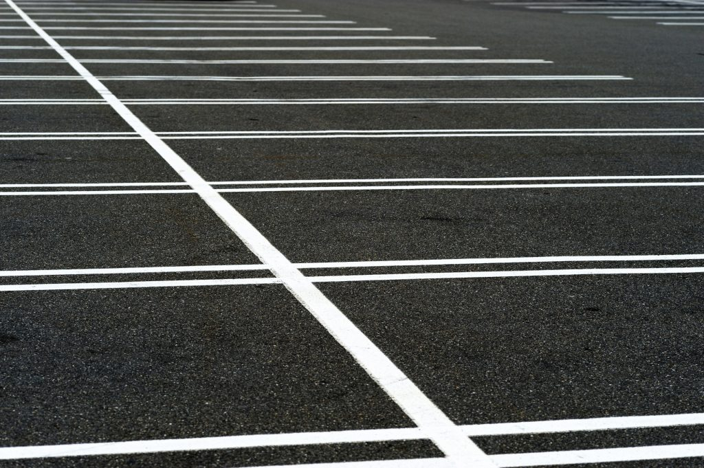 3 Simple Tips to Keep Your Asphalt Parking Lot Looking Great