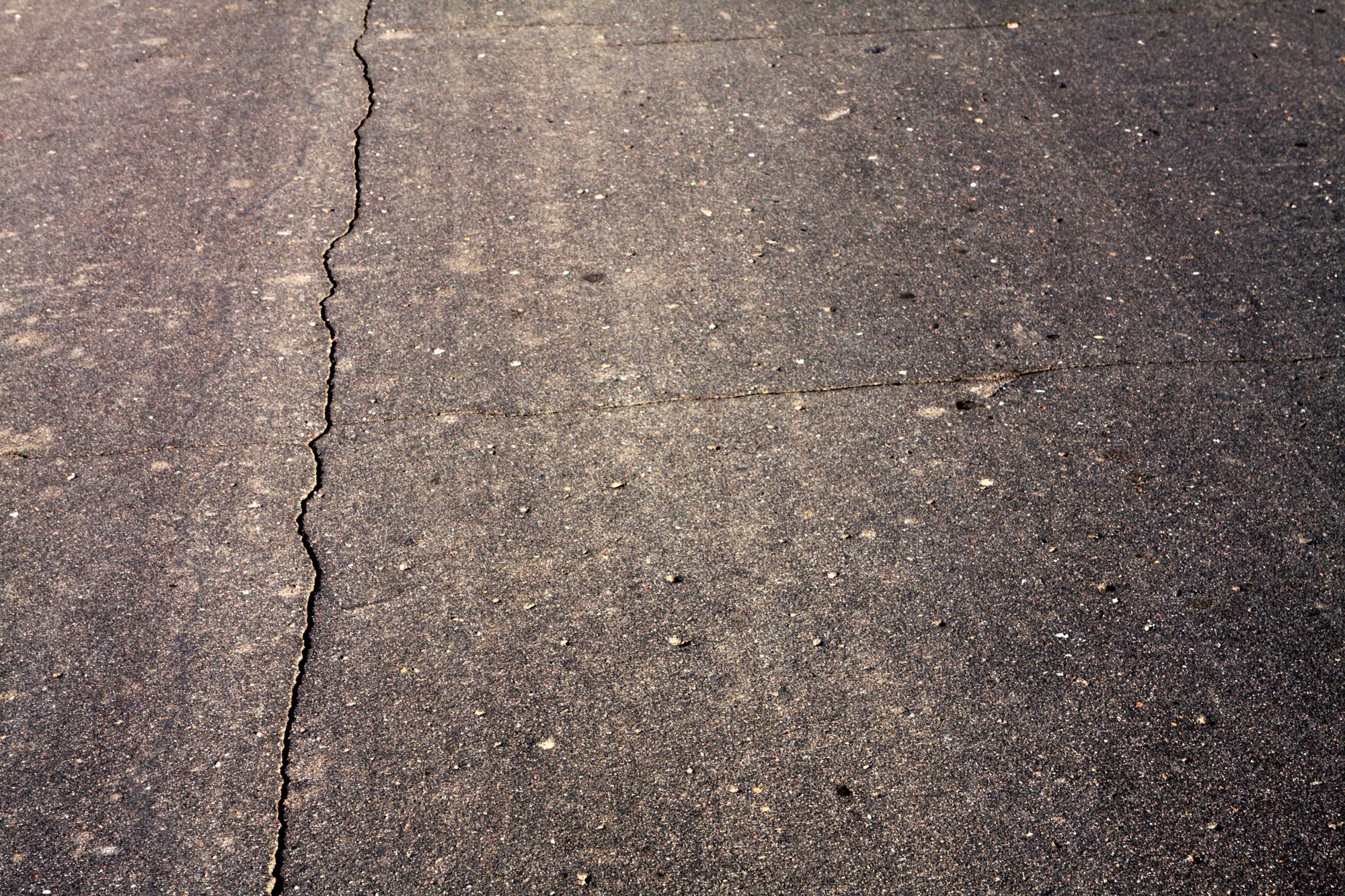 The Common Reasons Asphalt Cracks